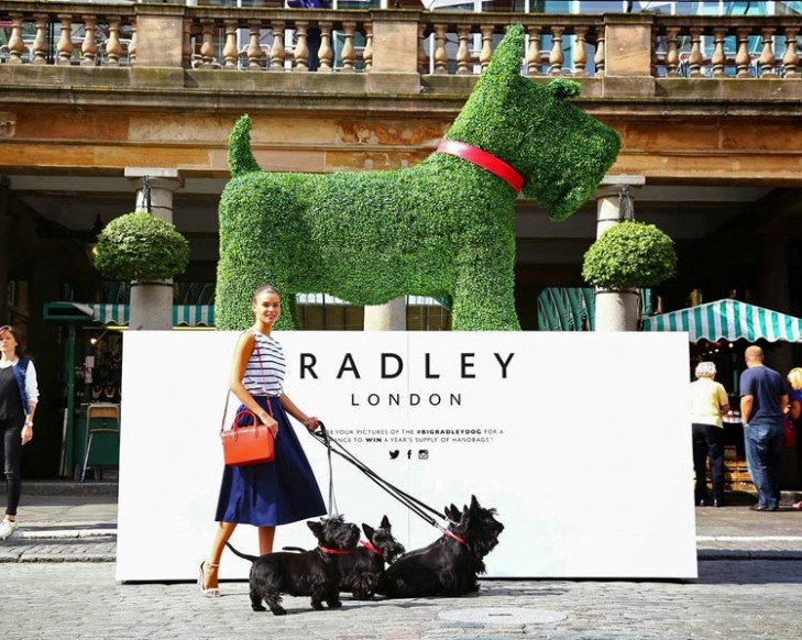 The Radley Dog made from artificial topiary by Agrumi