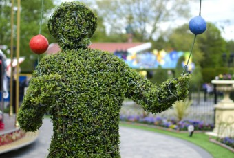 Topiary people & fantasy characters