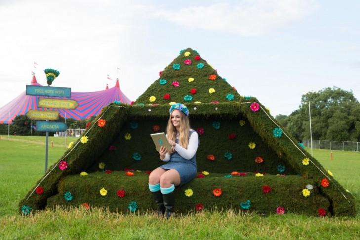 Glastonbury Topiary Pyramid Stage
