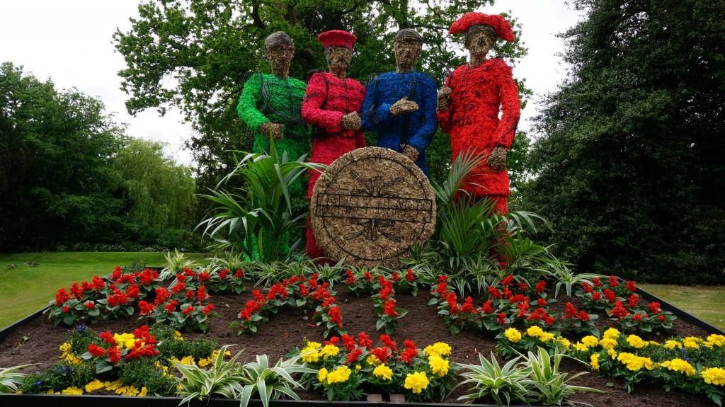 The Sgt Pepper Beatles topiary