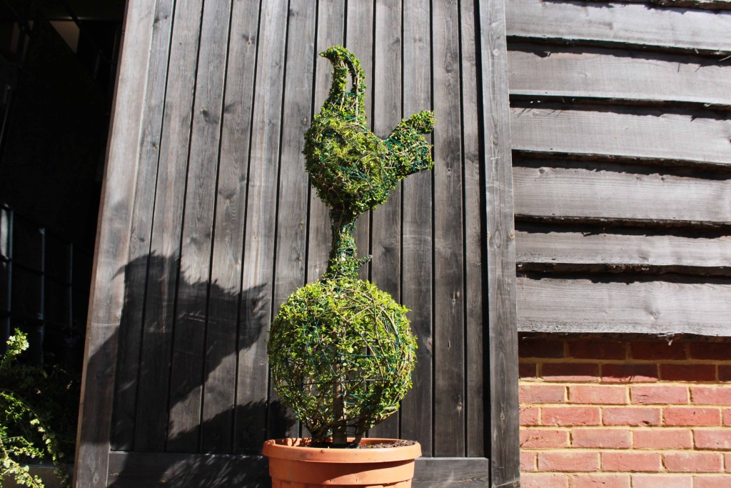 Topiary Tottenham Hotspur Badge