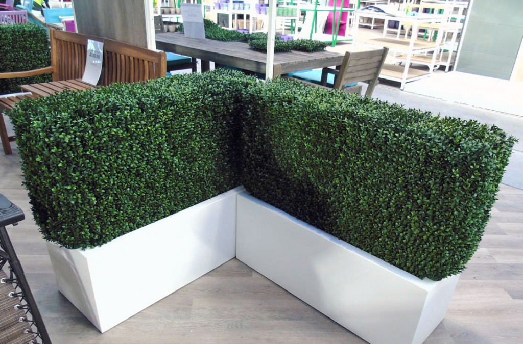 Artificial hedging for indoors and outdoors use